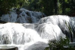 Ini dia, Air Terjun Terindah di Indonesia